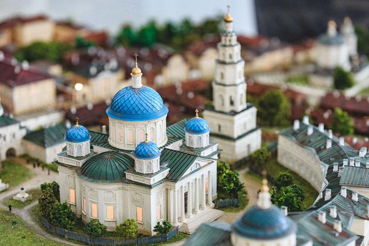 Остаются считанные дни доодного изглавных событий этого года для Татарстана— освящения воссозданного Собора Казанской иконы Божией Матери, которое состоится 21июля