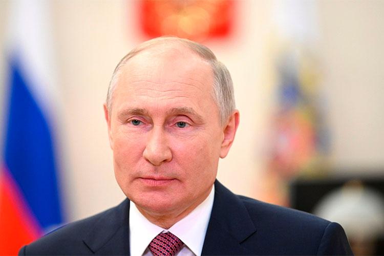 «Когда историки критикуют данную статью Путина, тоони посути дела говорят, что унего свое видение (нооно основано насерьезной литературе), аунас— своя точка зрения»