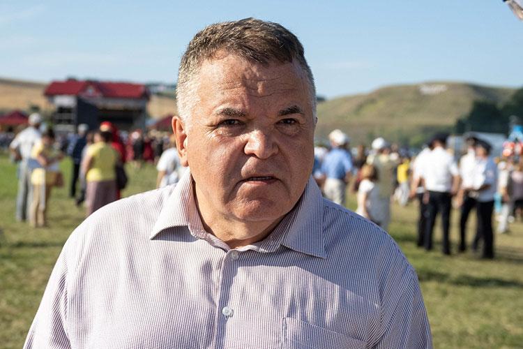 Почетный гость праздника председатель Штаба татар Москвы Рустэм Ямалеев уверен, что православные братья — часть большого татарского народа