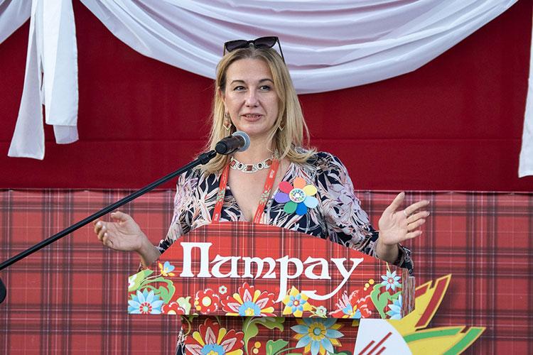 Министр культуры РТ Ирада Аюпова, как и Егоров, выступала в основном по-татарски и тоже сравнила кряшен с цветком