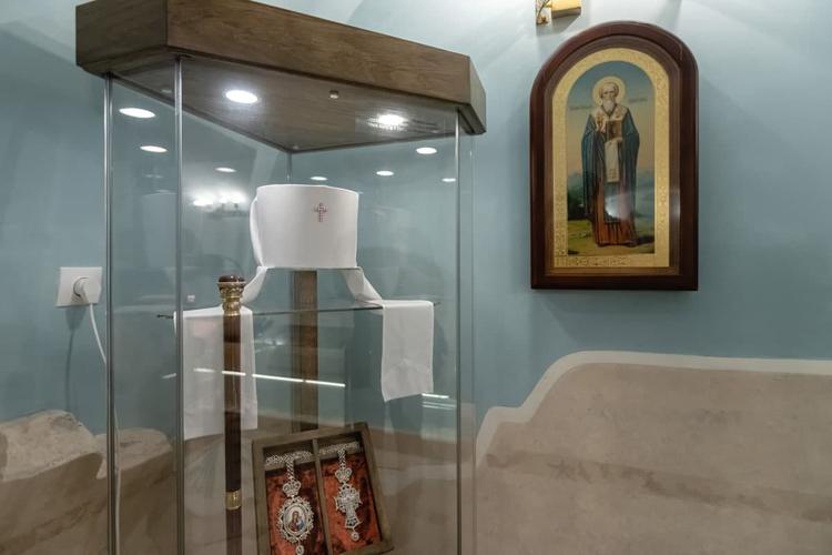 Личные вещи митрополита Феофана в пещерном храме в музее Казанской иконы Богоматери