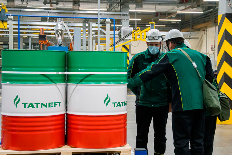 Что касается мотивации «Татнефти», то нефтяная компания не решилась бы на какие-либо покупки, если бы это не отвечало ее стратегии и тактике, считает президент союза нефтегазопромышленников России Геннадий Шмаль