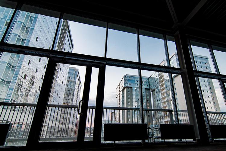 Дизайнерский ремонт исовременные решения продемонстрируют масштаб владельца, асвободное назначение помещений позволит расположиться здесь почти любым видам бизнеса