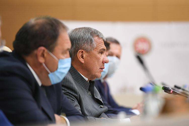 Вкабмине РТсегодня прошло республиканское совещание финансовых, казначейских иналоговых органов, которое потрадиции провел президент РТРустам Минниханов