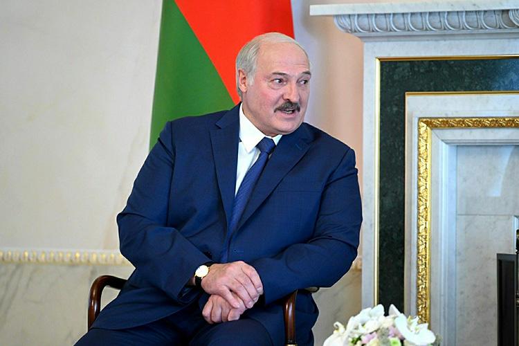 ИнициированнаяАлександром Лукашенкоконституционная реформа движется ксвоему финалу: конституционная комиссия Белоруссии выдала наконец на-гора плоды своих многомесячных раздумий испоров