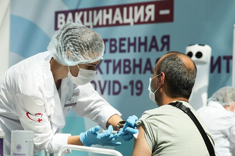 «Начавшаяся вМоскве при поддержке мэра ревакцинация— научно неоправданная мера, скорее коленный рефлекс науровне «надоже что-то делать!»