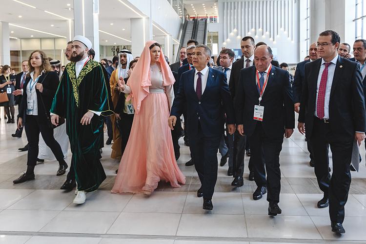 «KazanSummit стал визитной карточкой Республики Татарстан, благодаря этому мероприятию нас знают практически вовсех мусульманских странах, это всегда подпитывает интерес кнашему региону, как центру взаимодействия российских регионов иисламского мира»