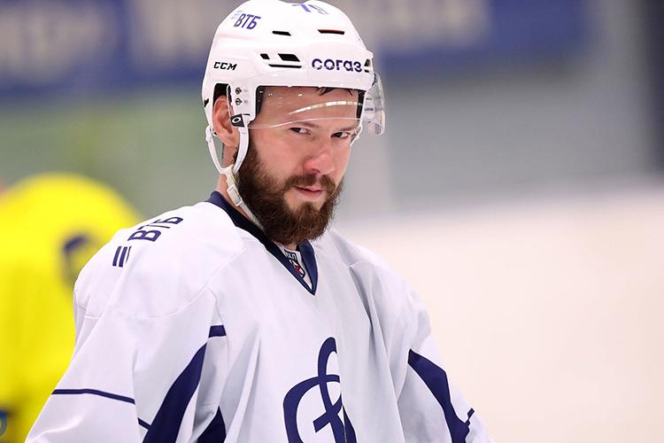 Изначально Тарасова этим летом никто изклубов КХЛ нерассматривал вкачестве потенциального новичка