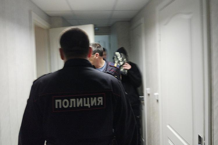 Суд поделу Ильназа Пиркина, покончившего ссобой после пыток вполиции воктябре 2017 года,вНижнекамске проходил довольно странно, взакрытом режиме