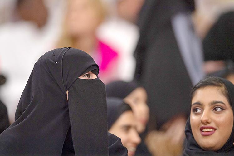Необоснованную агрессию всвязи схиджабом проявляют нетолько исламофобы, ноисами мусульмане