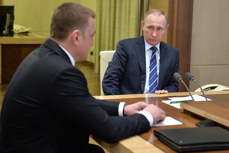 Дюмина часто называют вчисле потенциальных преемниковВладимира Путина, иМинченко подтверждает такую оценку: «Да, это один изкандидатов напост президента. Например, в2030-м году»