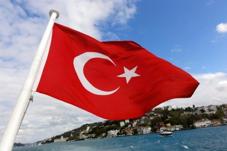 Наэтой неделе много шума наделало громкое заявление, прозвучавшее изТурции. Профессор Стамбульского университетаМалтепе Хасан УналпредложилМоскве иАнкаре заключить сделку оспорных территориях