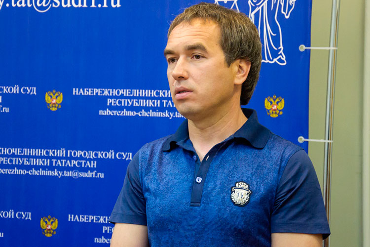 Очередной раунд противостояния челнинского лендлорда Алексея Миронова со следственным комитетом прямо сейчас развернулся в стенах татарстанской Фемиды