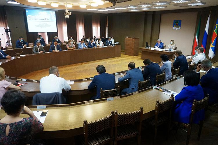 Неожиданно богатым наострые высказывания ивзаимные обвинения получилось сегодняшнее заседание городского совета Челнов