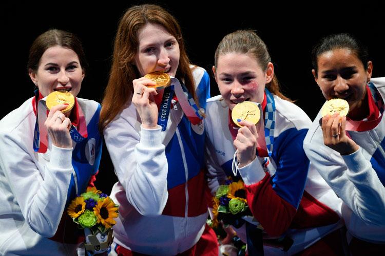 Это медаль не только моя, но и команды. В голове крутилась одна мысль: «Нужно встать и идти»