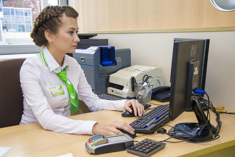 В ТЦSelgros привиты 72% работников, на«Казанском электротехническом заводе»— 68%, водном изотделений «Сбербанка»— 86%, вчастной охранной организации— 80%. Кроме того, более 60% сотрудников уже привиты вдвух подразделениях «КАМАЗа»