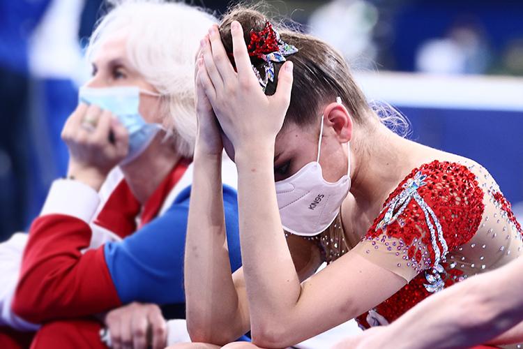 После выступления Дина несмогла сдержать слезы: «Обидно ибольно зато, что сегодня было несправедливое судейство. Зато, что первое место заняла девочка, которая выступила спотерей. Япрошла все виды более-менее чисто, достойно, как ямогла— изаняла второе место. Мне больше обидно занесправедливость. Явсегда зачестный спорт»