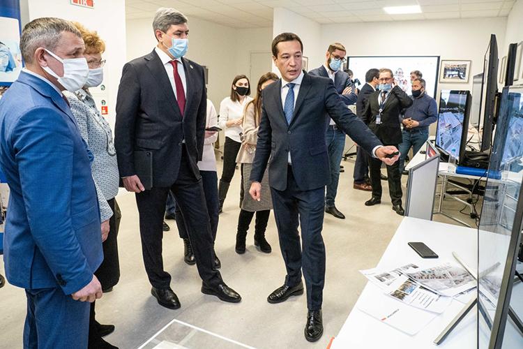Публичным лицом «#Суварстроит» является гендиректорРуслан Нурмухаметов.Компания стремится удерживать звание застройщика №1 пообъемам текущего строительства вРТиактивно конкурирует нарынке