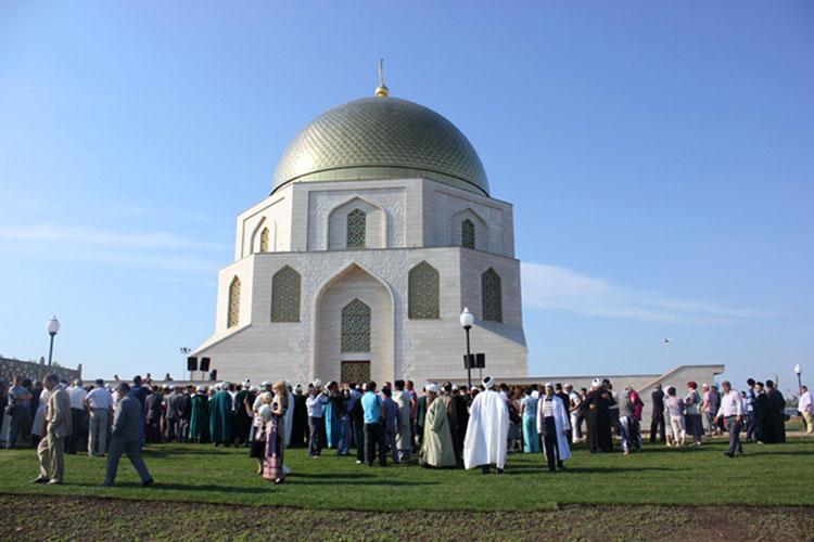 В 2012 году вБолгаре был установлен памятный знак, посвященный официальному принятию волжскими булгарами в922 году ислама.Судя повсему, главным монументальным творением послучаю1100-летия, который случится в2022 году, станет Соборная мечеть вКазани