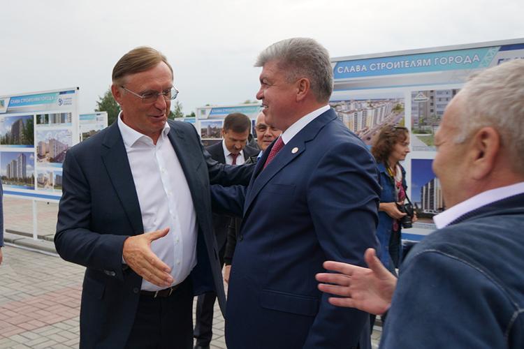 Магдеев добавил, что три дня назад провел сСергеем Когогинымрабочую встречу входе которой рассмотрели вопросы, которые касаются взаимодействия автогиганта имуниципалитета навторую половину года