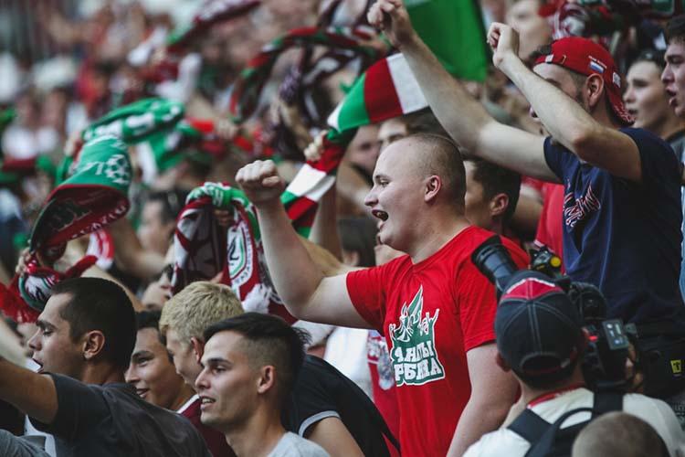 Правительство планирует возобновить продажу пива настадионах, запрещенную с2005 года. Изменения, которые предполагается внести всоответствующий закон ковторому чтению, коснутся нетолько футбола, ноидругих видов спорта