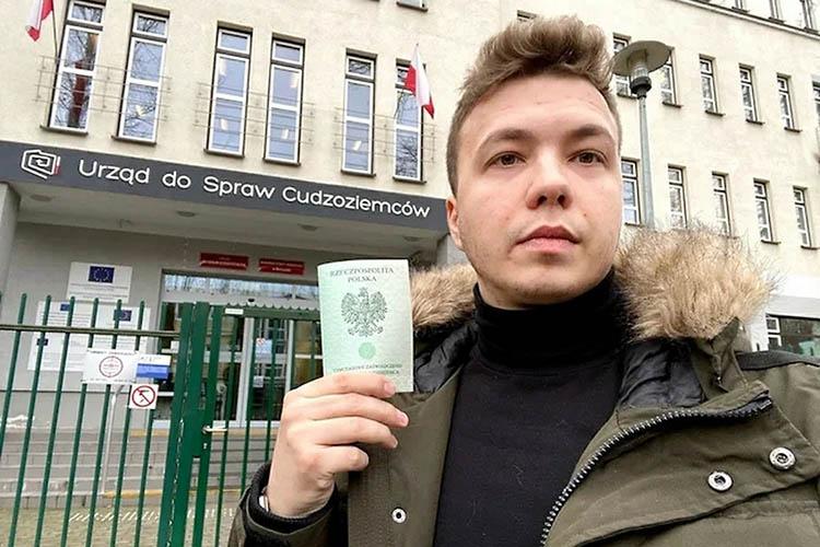«Унас хватает без Шишова, скем разбираться»,— продолжил Лукашенко, вспомнив эпизод ссооснователем телеграм-канала NEXTAРоманом Просасевичем, который был арестован после принудительной посадки самолета Ryanair