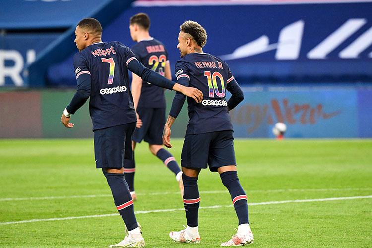 Парижский клуб смог подписать Серхио Рамоса, Джанлуиджи Доннарумму, теперь ещё и Месси без разбирательств по поводу фэйр-плей со стороны футбольных органов. А ведь в команде играют еще Неймар и Килиан Мбаппе…