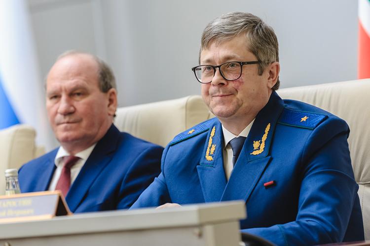В безвозвратный отпуск вышел первый заместитель прокурора РТСергей Старостин