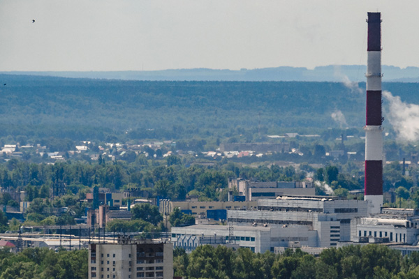 Пользователи социальных сетей изразных городов Татарстана обсуждают плотнуюсеруюдымкунад республикой ижалуютсяназапахи гари, неприятный привкус ворту изатруднения дыхания
