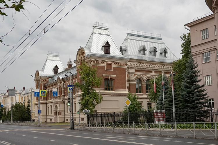 Казанский федеральный университет хочет присоединить ксебе Казанское художественное училище (на фото), сделав его колледжем при КФУ, где будут готовить живописцев искульпторов