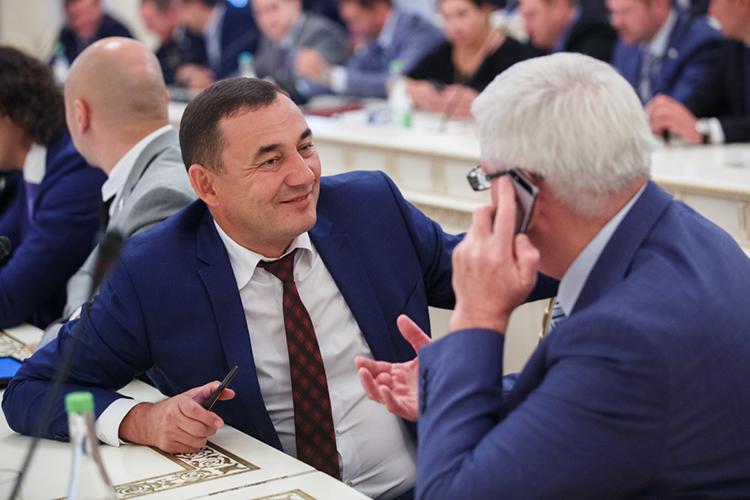 Марат Нуриев ранее как депутат Госсовета отчитался о5,6млн дохода (вместе ссупругой онзаработал куда больше—14,8 млнрублей)