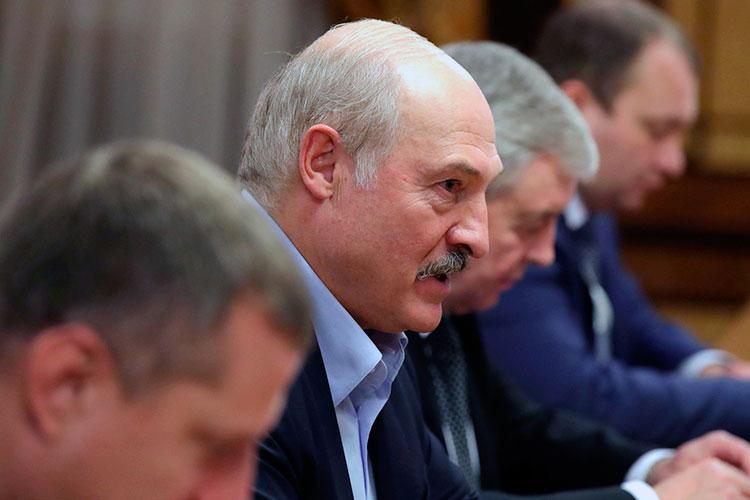 Москву настолько нервирует профильная зависимость от Александра Лукашенко, что она даже предлагала продать МЗКТ, но Батька заломил цену — $3 миллиарда