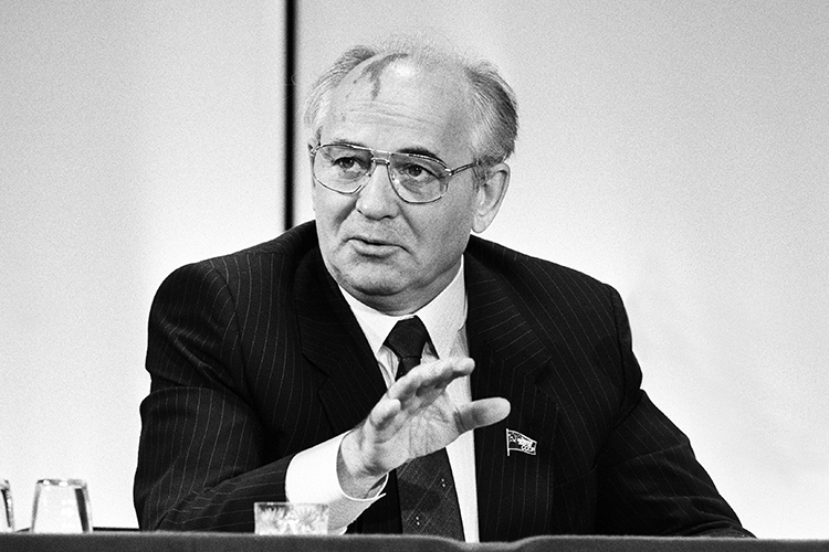 УГорбачёва была идея большой реформы сельскохозяйственной сферы, которую онреализовал, став Генеральным секретарём, когда был создан гигантский Госагропром воглаве сего ближайшим ставропольским соратником Всеволодом Мураховским