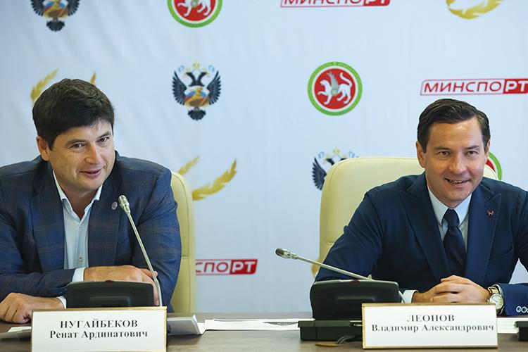 Владимир Леонов (справа) анонсировал «перезагрузку» вводных видах спорта. Ждать еёпришлось недолго. Сегодня Ренат Нугайбеков (слева) назначен новым президентом федерации плавания РТ