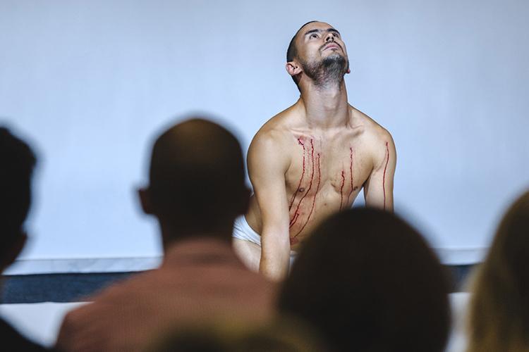 Нурбек Батулла, выигрывавший «Золотую маску» зароль вспектакле Имамутдинова «Алиф», уверен, что нынешнее решение «хорошо для Туфана, хорошо для театра»