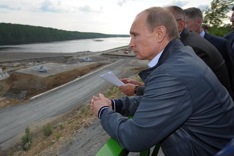 Владимир Путинпредложил предоставить регионам новые инструменты развития— это поможет к2024 году выполнить показатели национального проекта «Жилье игородская среда»