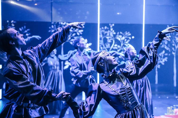 «Мыхотим развивать современный музыкальный жанр. Мыхотим, чтобы наш театр был лабораторией для новых веяний, но, втом числе, сохраняем классическое наследие»