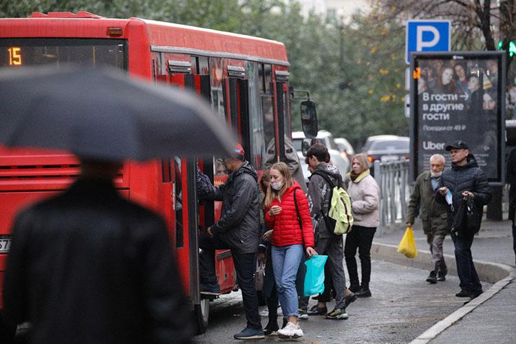 В РТпорядка 17тыс. автобусов, итолько 8777 внесено вспецреестр.Чтобы остальные неездили без лицензии, Ространснадзор ихпостоянно проверяет