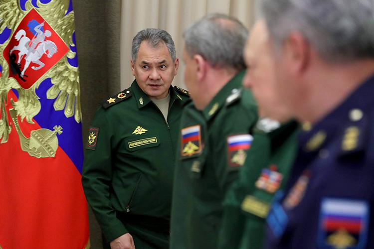 Прошелся «Незыгарь» подействующим министрам, отмечая усиление роли иместаСергея Шойгу, поскольку Путин публично одобрил его проект поразвитию Сибири