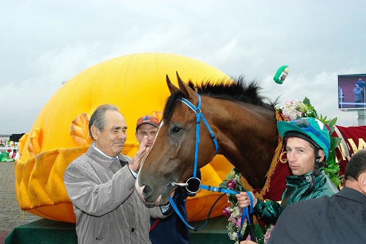 Главным любителем лошадей вТатарстане эксперты «БИЗНЕС Online» водин голос назвали Минтимера Шаймиева.Своих скакуновбабай восновном держит вКазани, нескольких—вМоскве