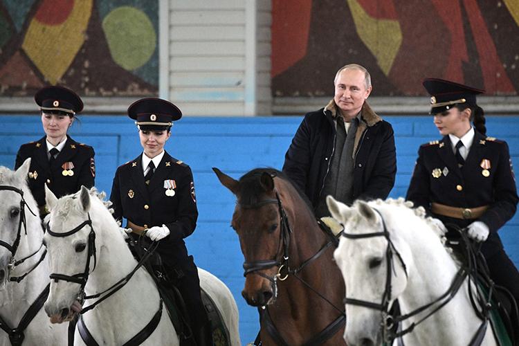 ВРоссии моданаскаковых лошадей возродилась вначале 2000-х, когда владельцем породистых скакунов сталВладимир Путин