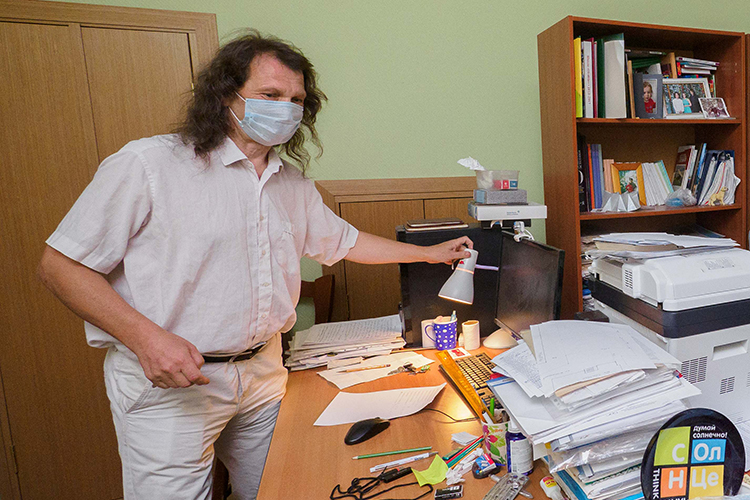 Павлу Шмаковунаши эксперты приписывают протекцию мэра Казанииотмечают стойкое следование выбранному курсу инезависимость взглядов