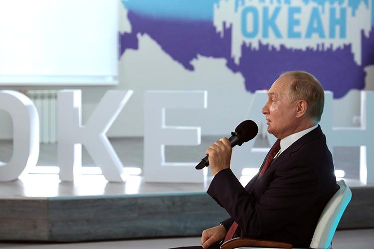 Обращаясь кбудущим журналистам, Путин подтвердил, что «каждый человек имеет право насобственное мнение»