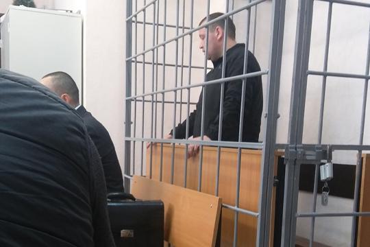 Руслан Фарраховбыл осужден завзятки вфеврале 2018 года. В2013 году онвозглавлял ИК-19 иполучил отдиректора стройфирмы материалы для строительства собственного дома насумму 45тыс. рублей