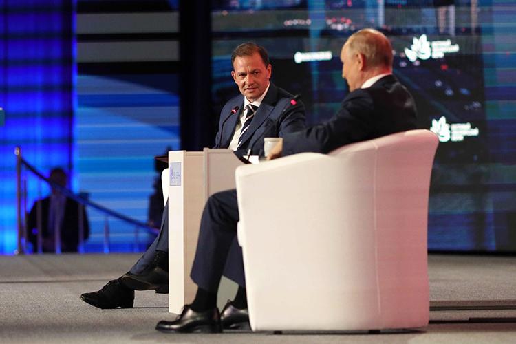 Сергей Брилев:«ВКонституции РФтеперь есть положение отом, что территория страны неделима. Это меняет вообще переговоры сяпонцами?»