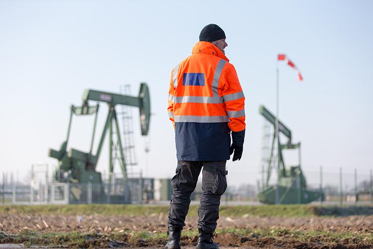Нефть—особенностьюго-востока Татарстанаиглавный еекапитал, благодаря нефти там крутятся миллиарды рублей