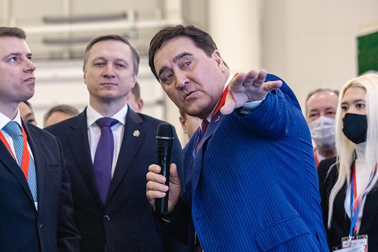 У Ильшата Фардиева (справа) влияние исвязи наюго-востоке РТсохраняются, как ибизнес-интересы