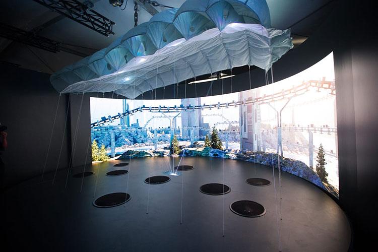 Одна из «комнат» презентационного зала «Технодинамики»