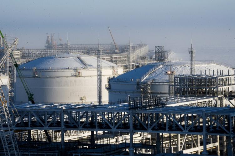 Сжиженный природный газ, накоторый сейчас активно переводят транспорт, вбудущем несможет конкурировать сводородом, поскольку запасы СПГ переоценены