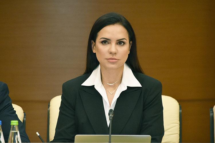 По словам Юлианы Гордон, доля традиционных каналов сбыта и оффлан-торговли в России падает каждый год на 4-5%, а по отдельным категориям товаров, например, по одежде, на все 30%.